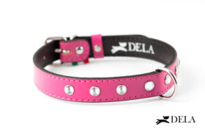 Collare in pelle fucsia con strass