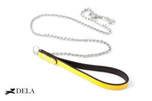 guinzaglio con catena e impugnatura in pelle gialla