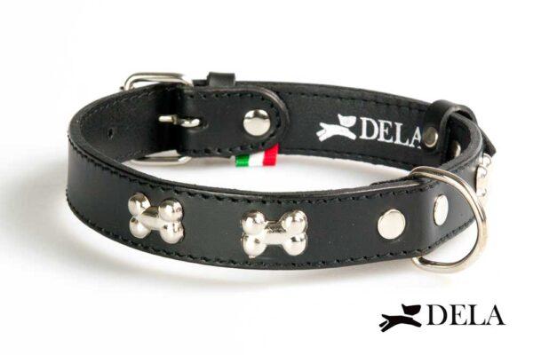 collare in pelle nera con borchie per cani
